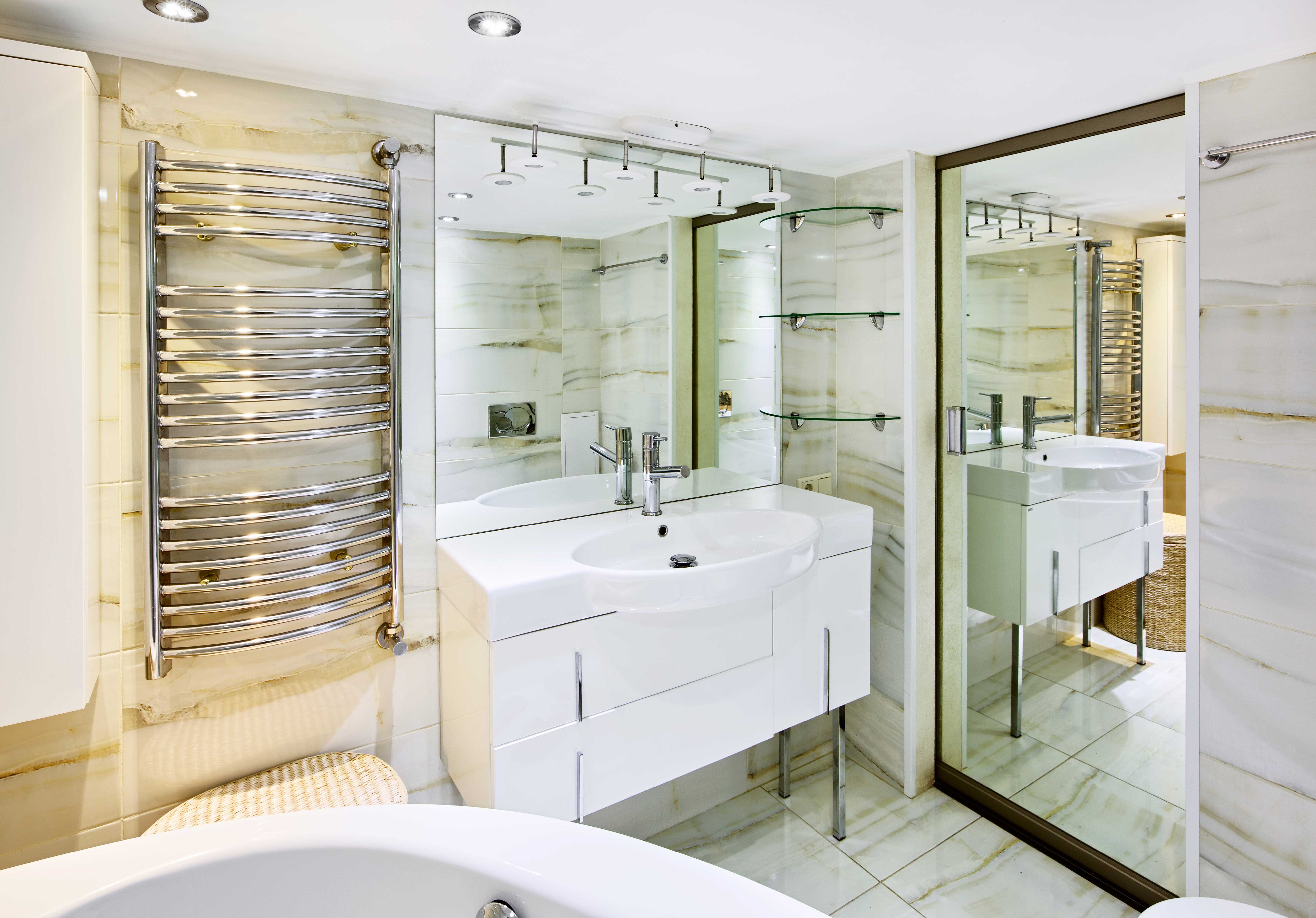 Mirror Vanity And Wall In Bathroom By Metro Glass