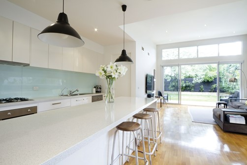 Glass Splashback white in kitchen by Metro Glass