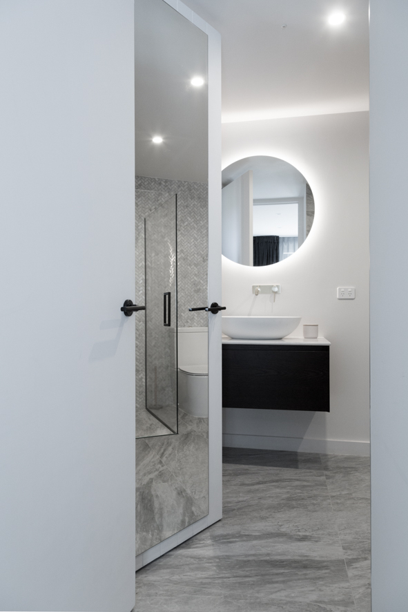 Metro Performance Glass 900mm Diameter Round Bathroom Mirror And A Full  Length Door Mirror